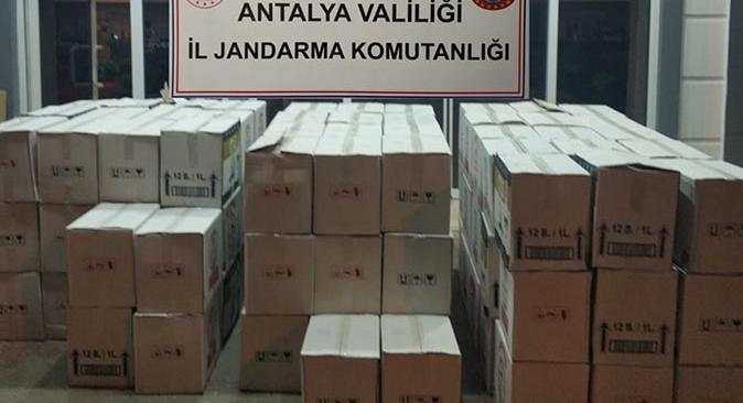 Antalya'da bin 498 litre kaçak içki ele geçirildi