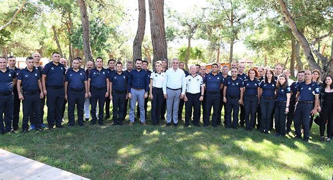 Başkan Semih Esen zabıtaların gününü kutladı