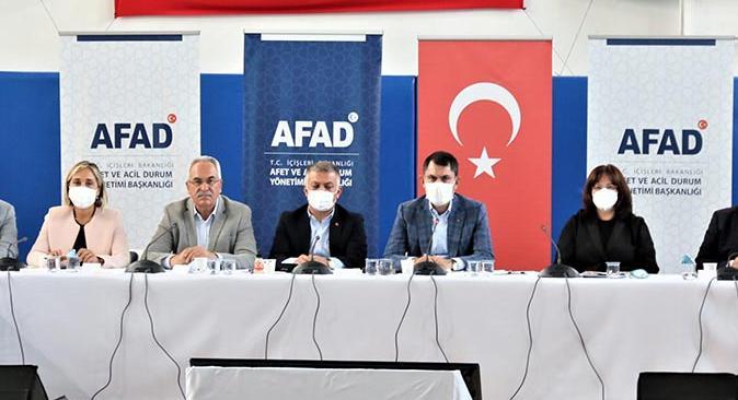 Çevre ve Şehircilik Bakanı Murat Kurum Manavgat'ta AFAD toplantısına katıldı