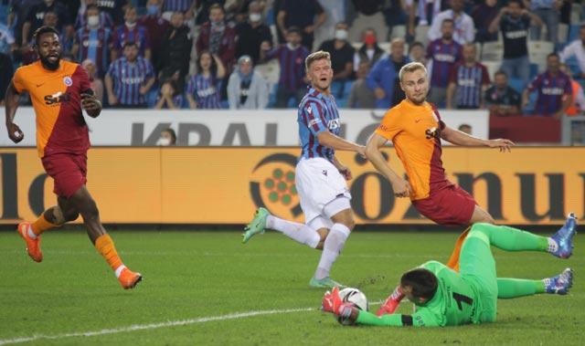 Zorlu derbide kazanan çıkmadı! Trabzon ile Galatasaray birer puana razı oldu...