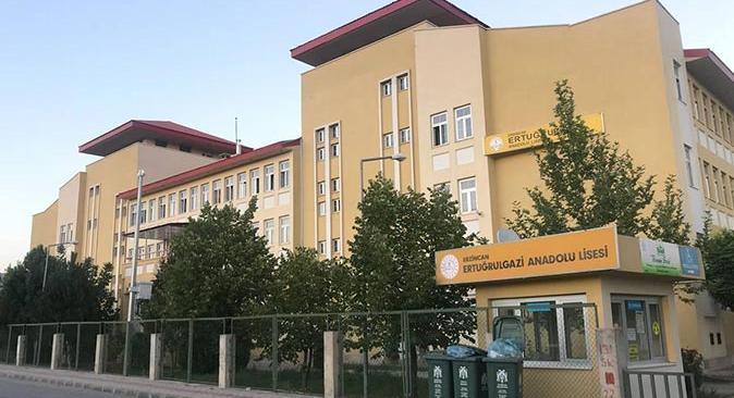 Erzincan Ertuğrulgazi Anadolu Lisesi'nde 2 öğrencinin testi pozitif çıktı