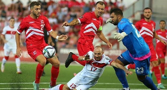Son dakika...  Milli Takımımız Cebelitarık engelini 3 golle geçti