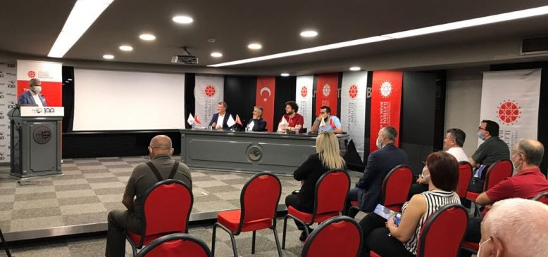 Yerel medya sorunları Antalya'da masaya yatırıldı!