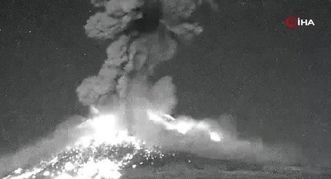 Popocatepetl Yanardağında 2 defa patlama oldu