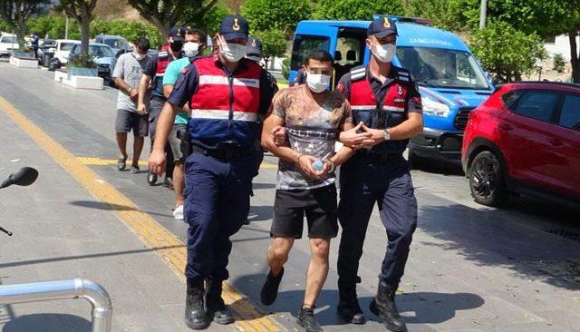 İnsan kaçakçısı 4 şüpheli adliyede