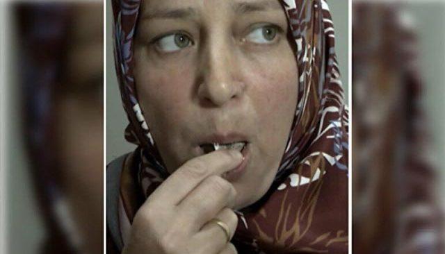 Seda Sayan'ın ağzı açık kaldı! Çerez gibi inşaat betonu yiyor