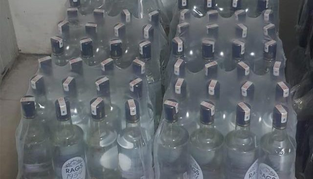 Antalya'daki otele kaçak içki baskını