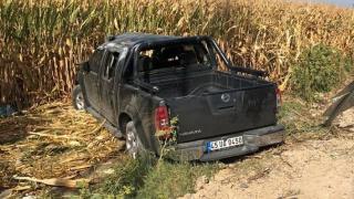 Manisa'da kamyonet tarlaya uçtu