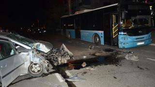 Antalya'daki kazada sürücü ağır yaralandı
