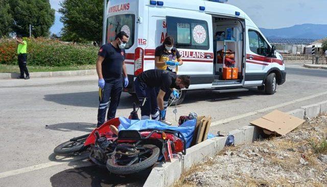 Motosiklet kazası yine can aldı!