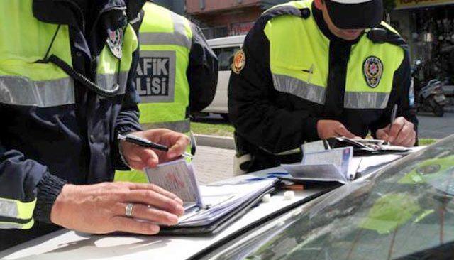 Trafikte çakar, makas ve drifte af yok! Bu yılın ilk 8 ayında toplam 54 bin TL ceza kesildi