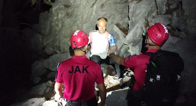 Kemer'de yürüyüş yaparken kaybolan turist kurtarıldı
