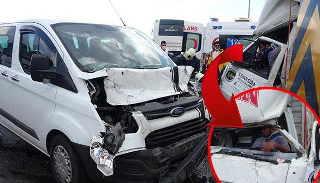 Antalya'da zincirleme kaza! Kamyonda can pazarı