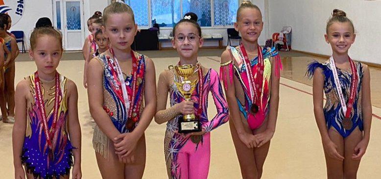 Ritmik Cimnastikte Antalya İl Birinciliği yapıldı