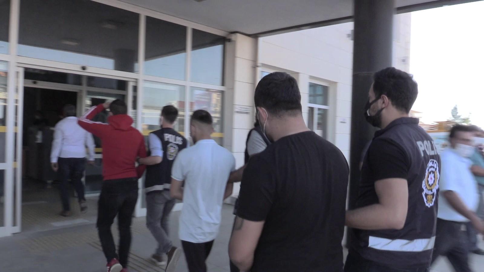 Serik'te galeri hırsızları tutuklandı
