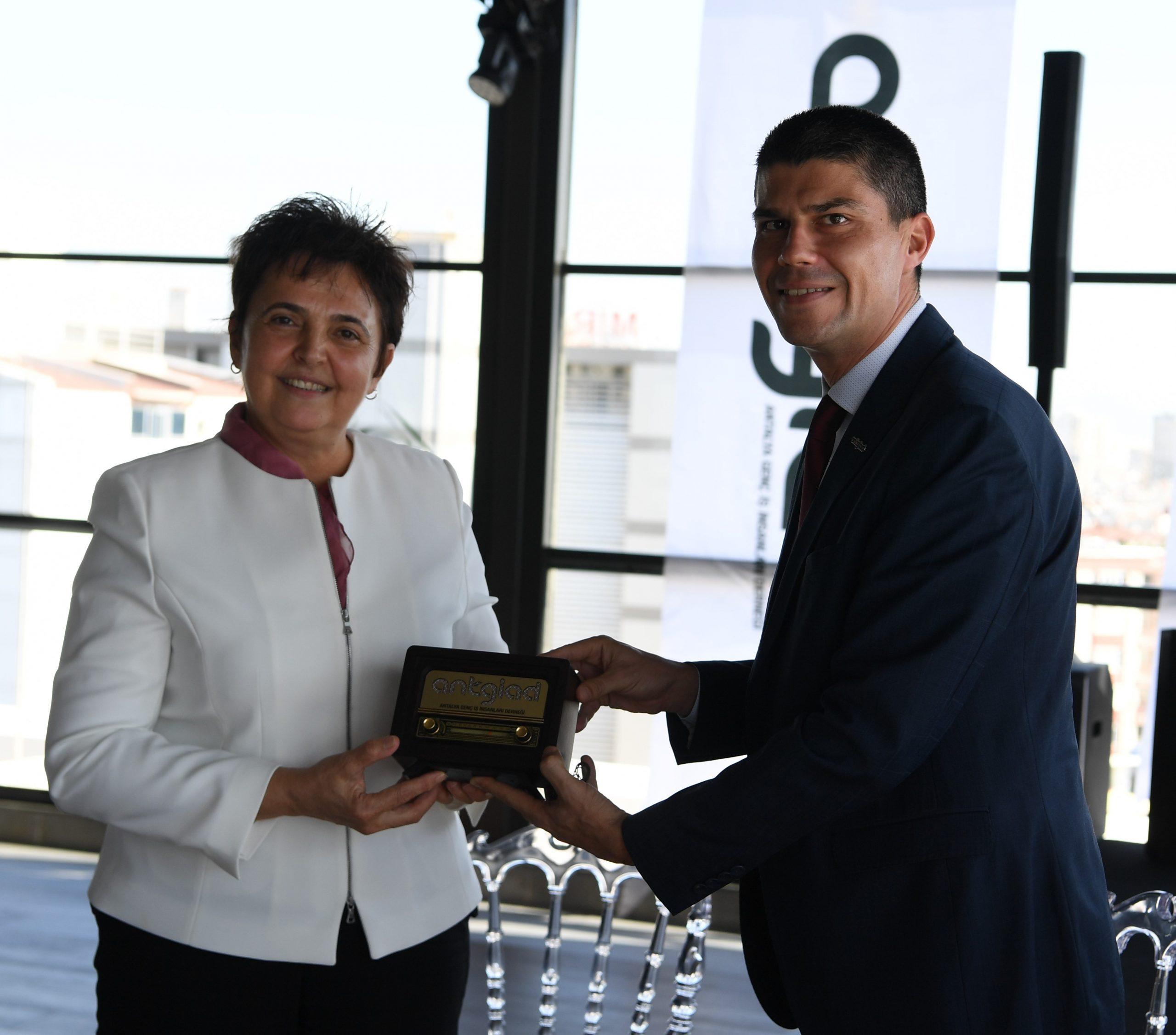 ANTGİAD Başkanı Osman Sert: Antalya'nın gençlerle yükselecek bir kent olmasına çaba gösteriyoruz