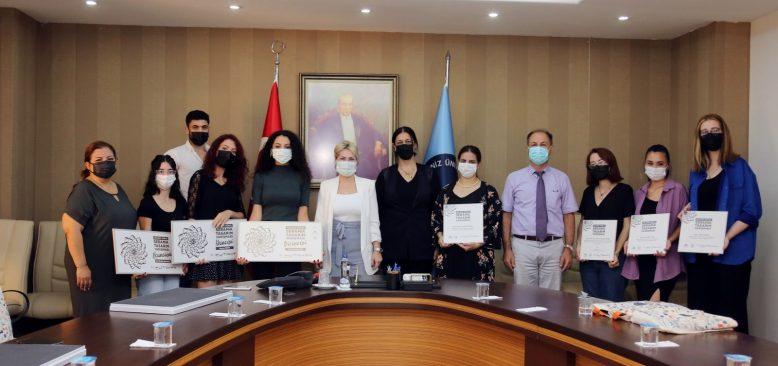 AÜ'nün Mimarlık Fakültesi öğrencileri ödülleri topladı
