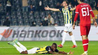 Kadıköy'de yıkım! Fenerbahçe, sahasında Antwerp'le berabere kaldı
