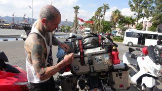 Amerikalı dövme sanatçısı motoru ile Antalya'ya geliyor...