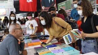11'inci Antalya Kitap Fuarı'nı rekor ziyaretçi