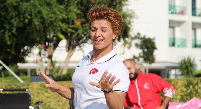 Milli Takımı sporcusu Yeliz Güllü kızının vasiyeti ile başarıdan başarıya koşuyor