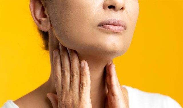 Boğaz ağrısına ne iyi gelir? İyileşmeye çalışırken bu hataya düşmeyin