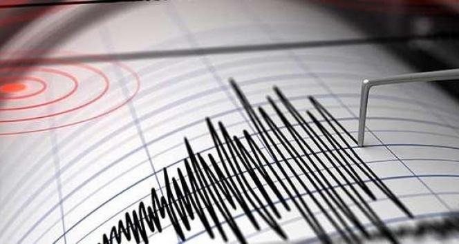 Van'da 6 dakika arayla iki korkutan deprem