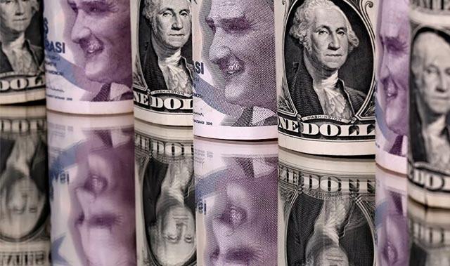 Dolar, 9 lira ile rekor tazeledi