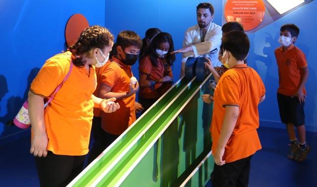 Antalya Bilim Merkezi'nin kapıları öğrencilere açıldı