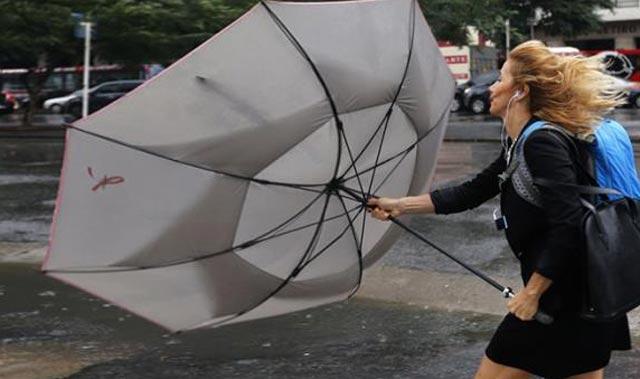 """Meteoroloji """"Tüm önlemler alınmalı"""" diyerek uyardı: Saatte 60 kilometre hızla rüzgar ve yağmur geliyor"""