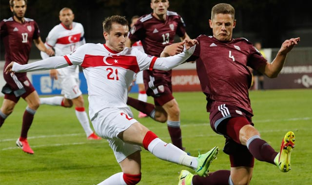 Son Dakika: Türkiye, deplasmanda Letonya'yı son saniye golüyle yendi
