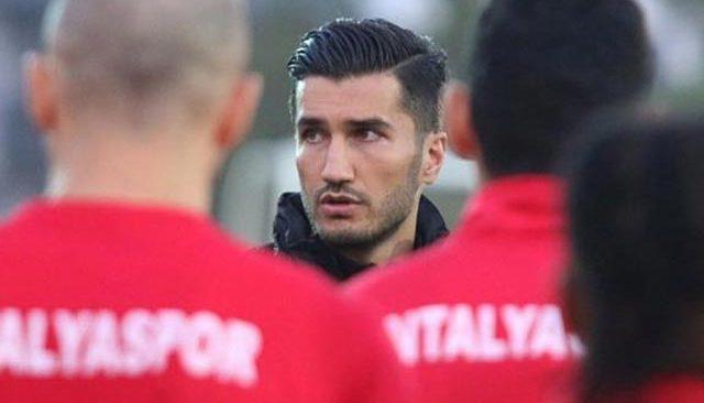 Antalyaspor'da hocalığa getirilen Nuri Şahin, futbolu bıraktı