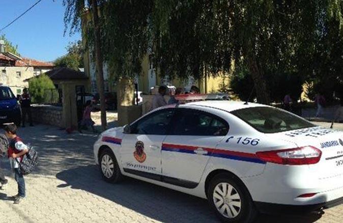 Antalya'da uyuşturucu maddeler ile ilkokul yanında yakalandı